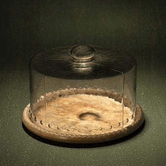 Wooden cake stand with glass lid- Christmas gift ideas for food lovers.